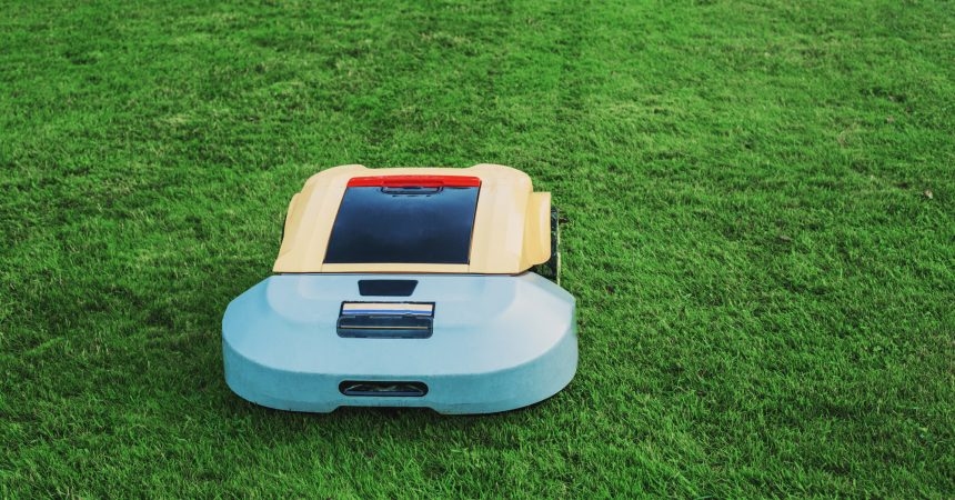Best Robotic Lawn Mower Reviews for 2017 - Top 5 Comparison